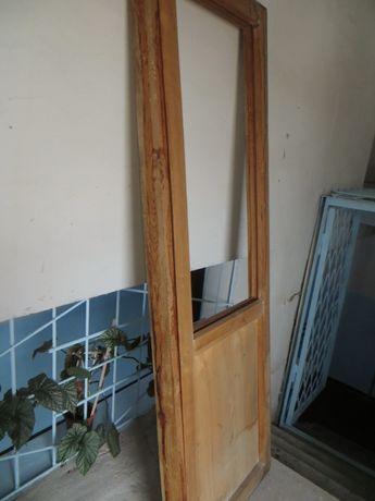 Дубовая балконная дверь и окно.