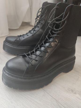 Ботинки кожаные 39р.