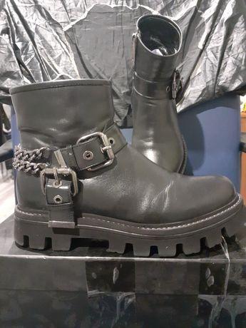 Ботинки 35размер