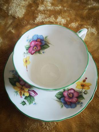Filiżanka z angielskiej porcelany