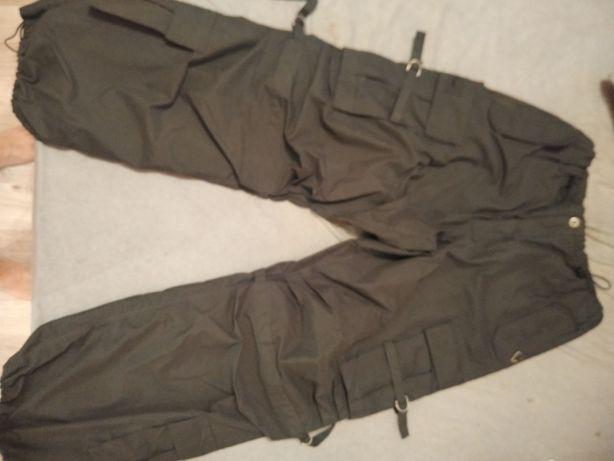 Spodnie NOWE z kieszeniami, ściagaczami