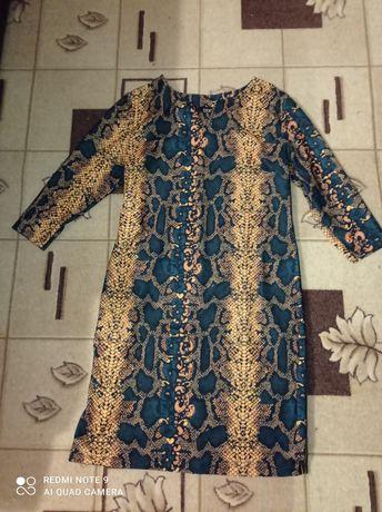 Жіноче плаття(розмір 48)