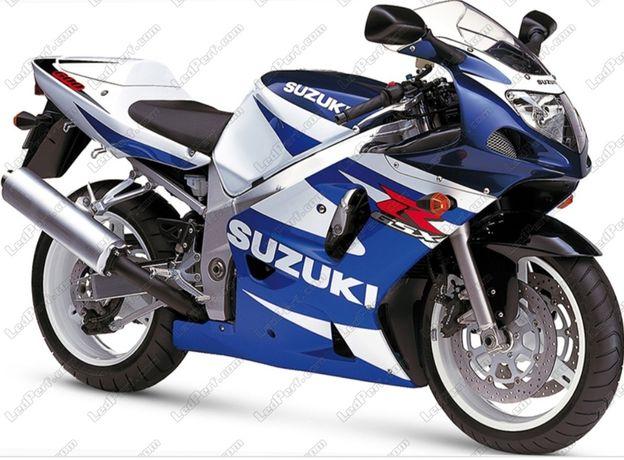 Vendo ou TROCO moto acidentada igual a da foto..