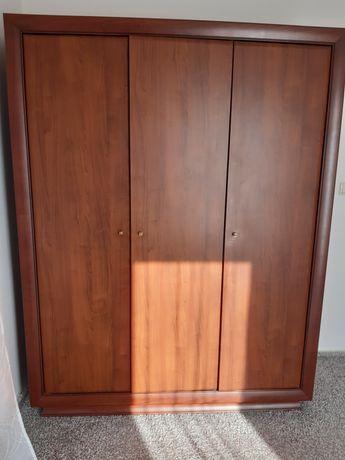 Szafa trzy drzwiowa + komody
