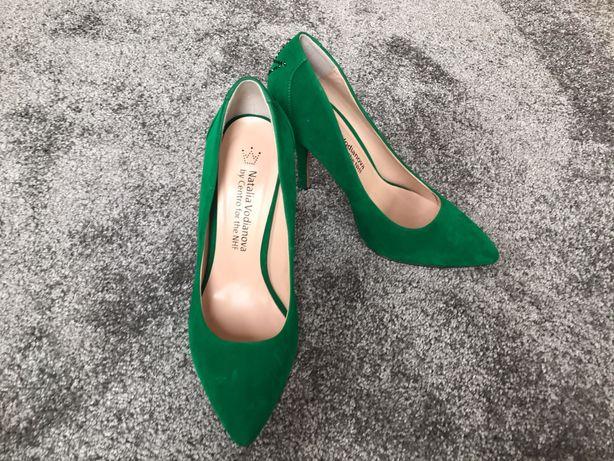 Natalia Vodianova zielone szpilki buty 38 39