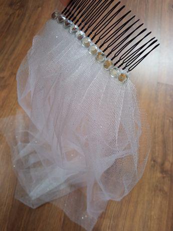 Welon ślubny biały/tiul brokatowy kryształki na grzebyku