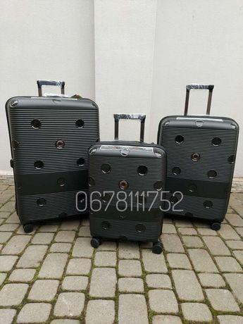 AIRTEX 246 Франція валізи чемоданы сумки на колесах