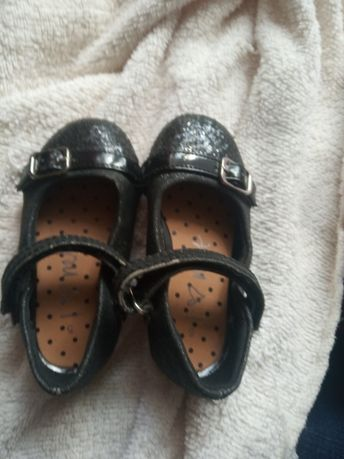 Продам балетки весенняя обувь для девочки