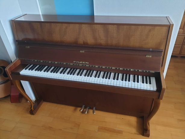 Pianino FAZER + stołek