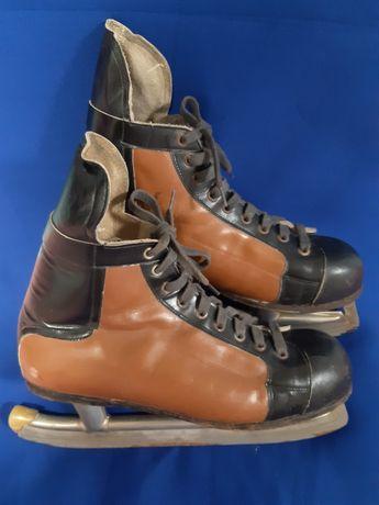 Хоккейные  коньки, времен ссср,  кожаные.