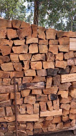 Lenha de pinheiro, eucalipto, carvalho e mistura.