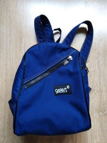Стильный городской джинсовый рюкзак Gelert . Синего цвета.
