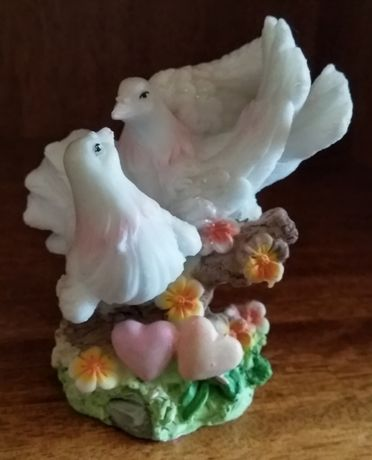 """Статуэтка """"Влюбленная пара белых голубей"""""""