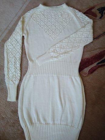 Женское вязаное платье 44-46 размер