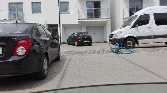 Miejsce parkingowe naziemne zamknięte osiedle Platinum Park Wigierska