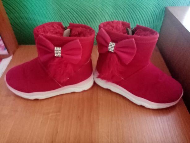 Продам зимові сапожки бордового кольору 28 р