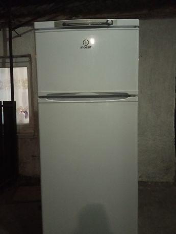 Продам не рабочий холодильник