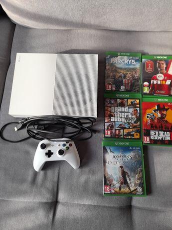 Xbox One S 500 gb plus pad i gry