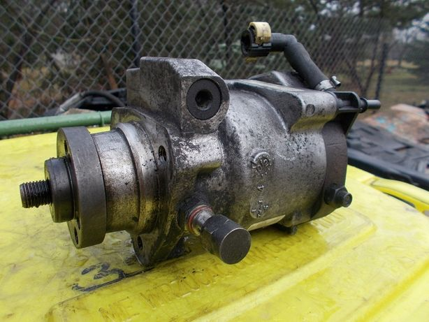 Pompa wtryskowa ford mondeo mk3 2.0TDCI 2S7Q-9B395-AF
