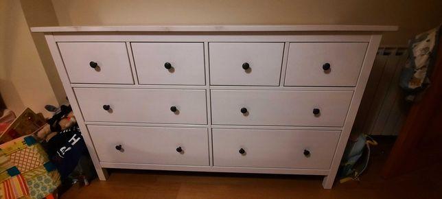 Cómoda HEMNES c/8 gavetas IKEA