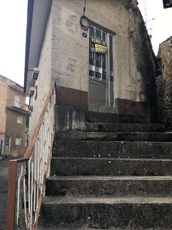 Casa rústica em pedra para restaurar | Leomil, Moimenta da Beira