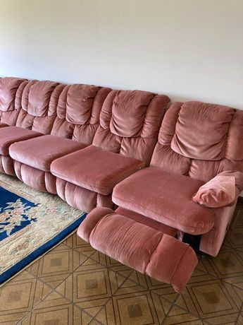 Sofá antigo em veludo