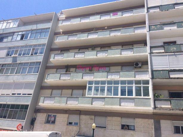 Apartamento T2 em Campo de Ourique, com rentabilidade