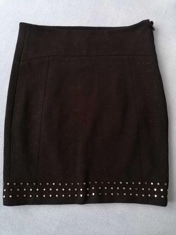 Czarna, krótka spódnica