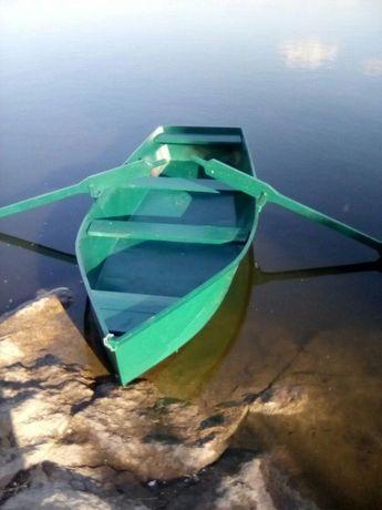 Лодка металева