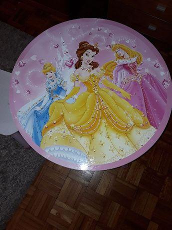 Mesa e cadeira de madeira Princesas Disney