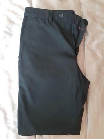 Calças de fato preta