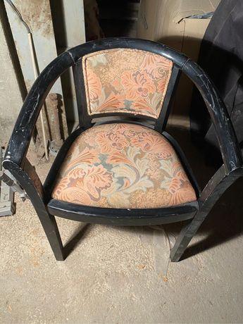 Cadeiras e mesa de bar