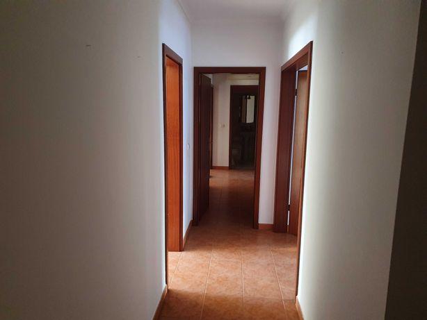 Apartamento T4 com garagem em Beja