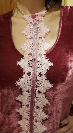 Красивое эксклюзивное платье.