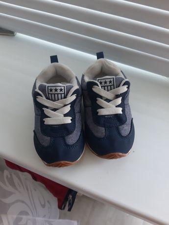 Кроссовочки H&M р.20-21