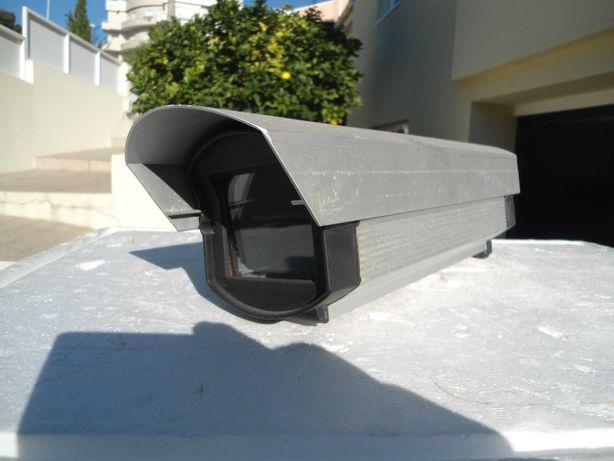 Caixa de proteção de camara de vigilancia de exterior