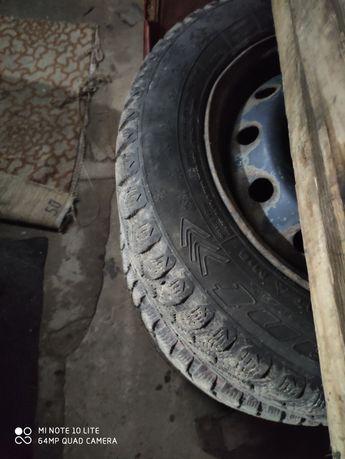 Продам колёса или обменяю на зимнюю пару 235/45R17