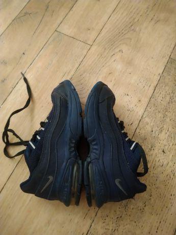 Кроссовки Nike, длина стельки 16.5 см