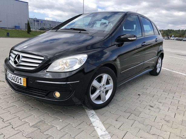 Автомобіль Mercedes