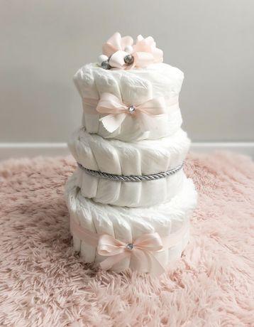 Tort z pampersow niemowle prezent baby shower narodziny chrzciny