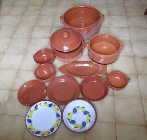 Conjunto de Loiça de Barro tachos, pratos e caçarolas