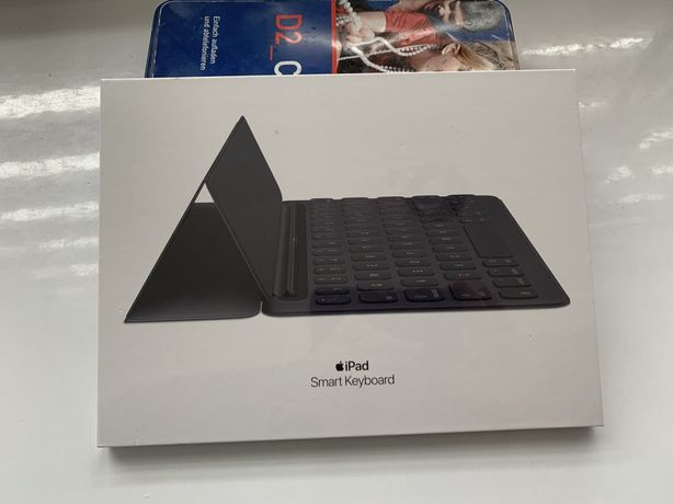 Нова клавіатура Apple Smart Keyboard for iPad  (MPTL2)