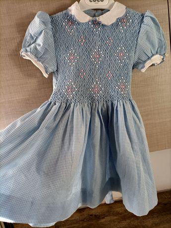 Vestido  antigo feito em costureira 3 anos