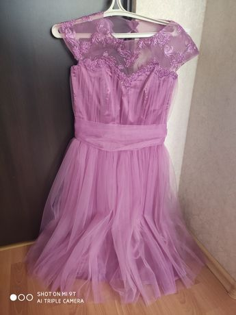 Дуже гарна фатинова сукня.