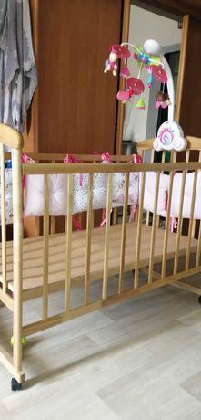 Деревянная кроватка, комплект постельного, бортики, защита
