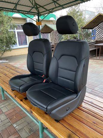 Продам сиденья Mercedes Мерседес