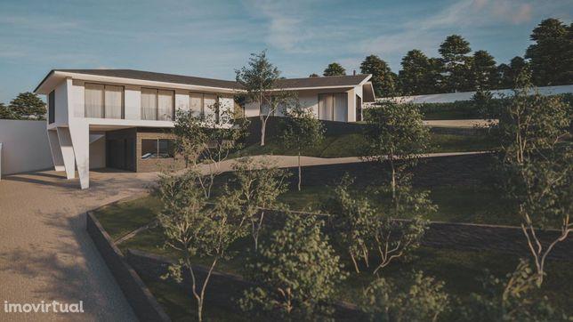 Terreno com projeto aprovado em Macieira de Sarnes