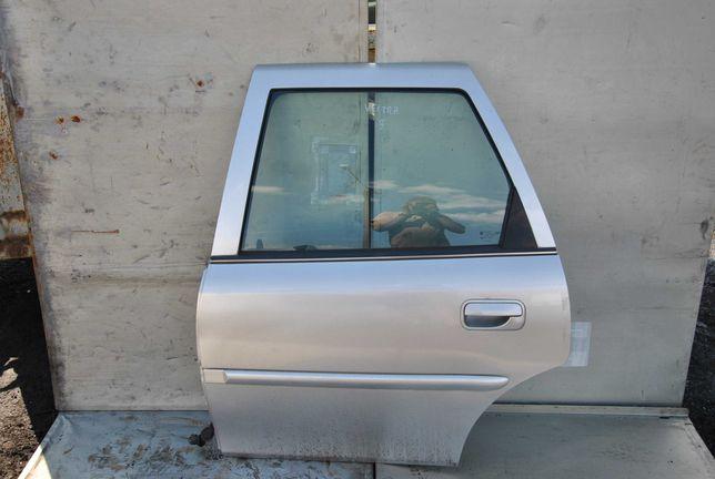 Drzwi lewy tył Opel Vectra B kombi