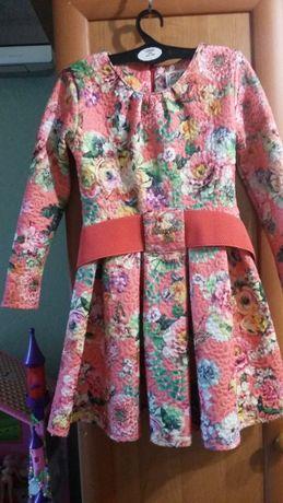 платье на рост 116 см 700 рублей