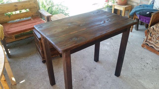Стол из дерева (сосна) ручной работы
